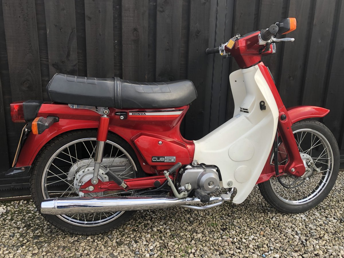 1982 HONDA C90 C 90 CUB CLASSIC ONLY 3500 MILES £2995 OFFERS  For Sale (picture 2 of 6)