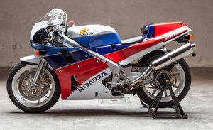 1988 HONDA VFR750R RC30  For Sale