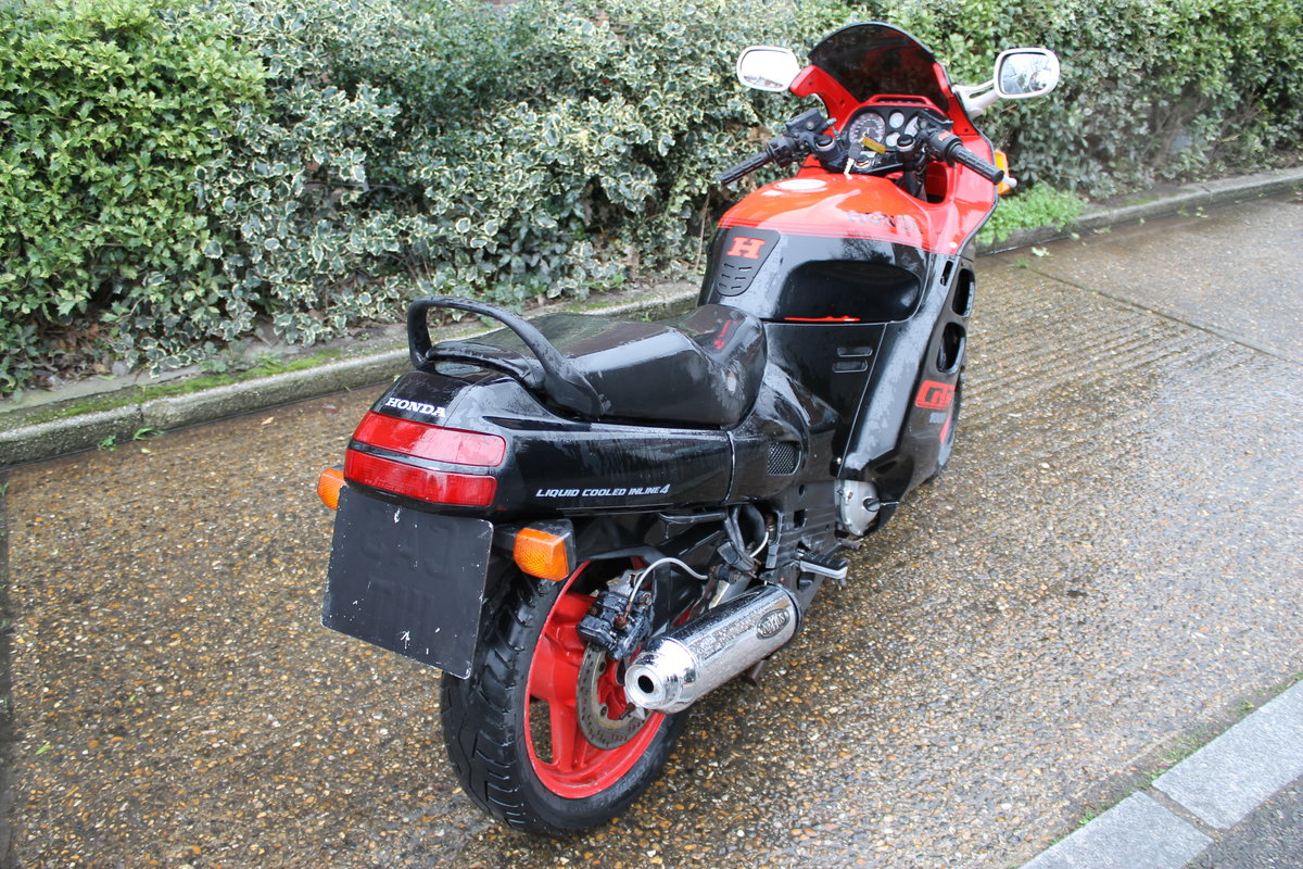 1987 Honda CBR1000F Super Sport With Just 1600 Miles From New For Sale (picture 3 of 6)