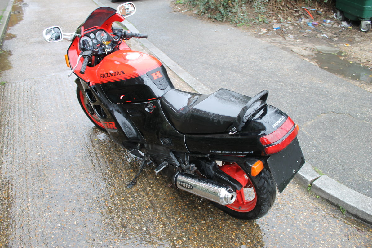 1987 Honda CBR1000F Super Sport With Just 1600 Miles From New For Sale (picture 4 of 6)