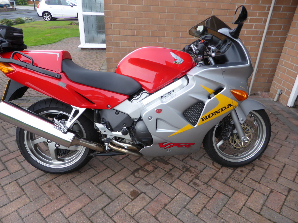 1999 honda vfr 800 anniversary For Sale (picture 1 of 3)