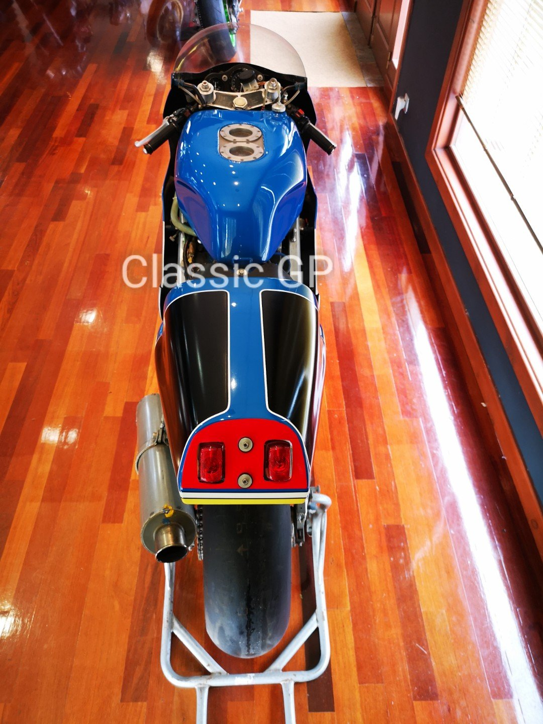 1990 Moriwaki VX7 RC30 For Sale (picture 3 of 6)