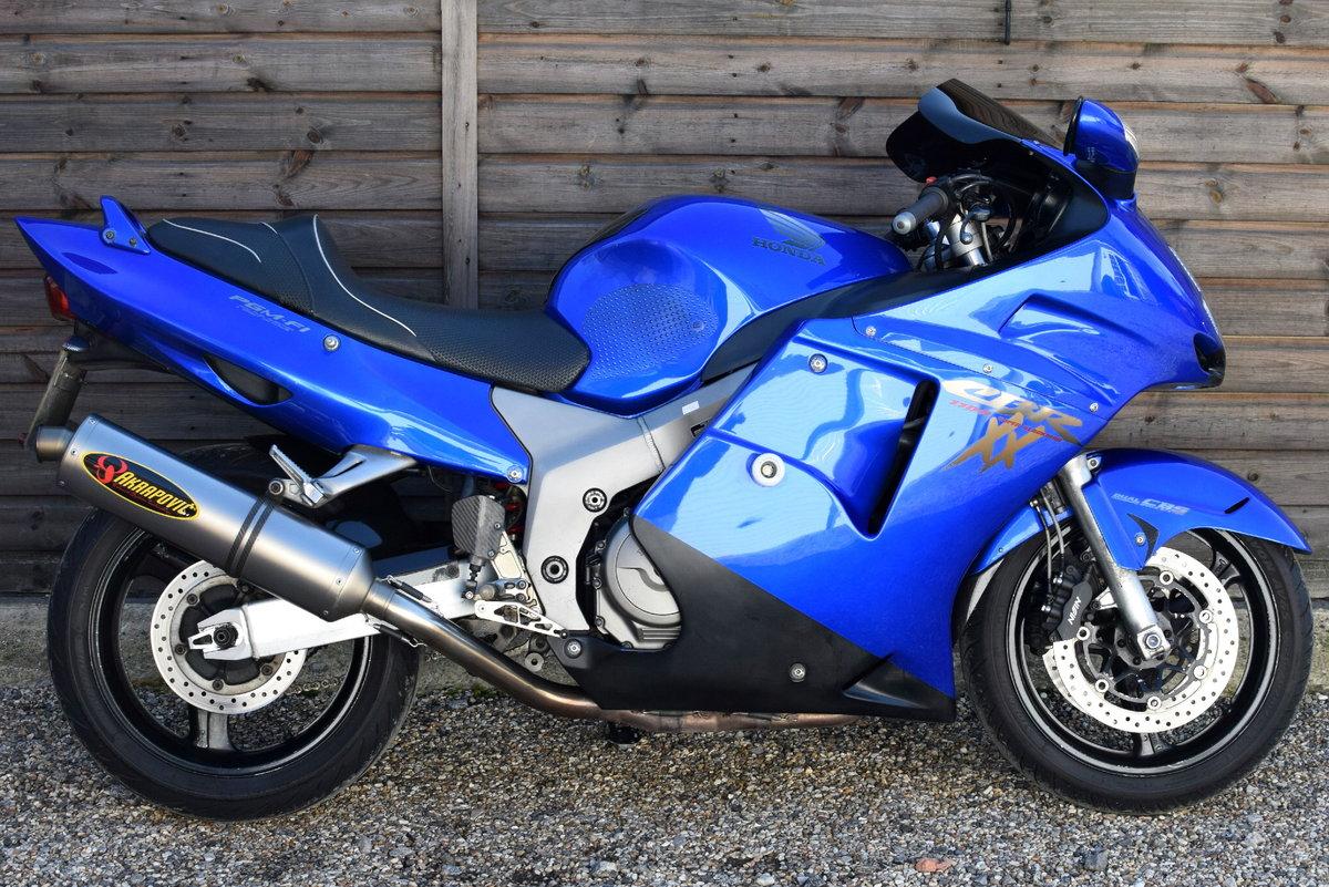 Honda CBR1100XX Blackbird All Years R/&G Racing classic crash protectors bobbins