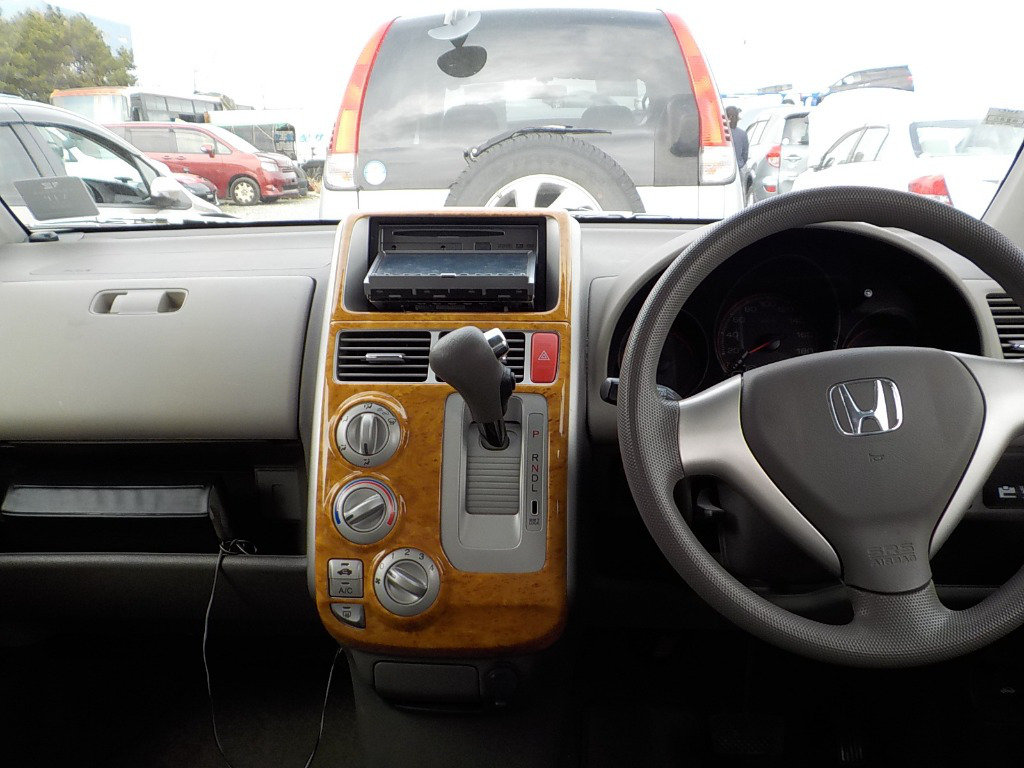 HONDA MOBILIO 2006 1.5 AUTOMATIC * 7 SEATER MPV * LOW MILES For Sale (picture 5 of 6)