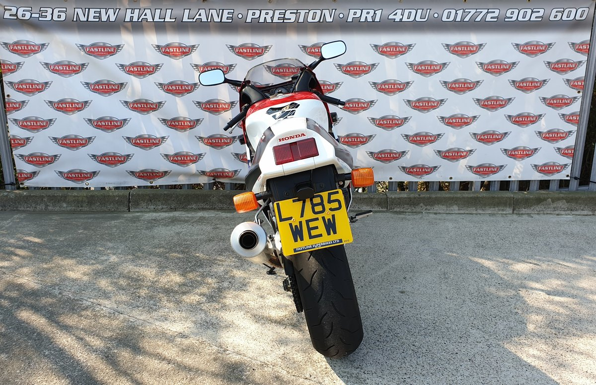 1994 Honda RVF750R RC45 Sports Classic For Sale (picture 4 of 6)