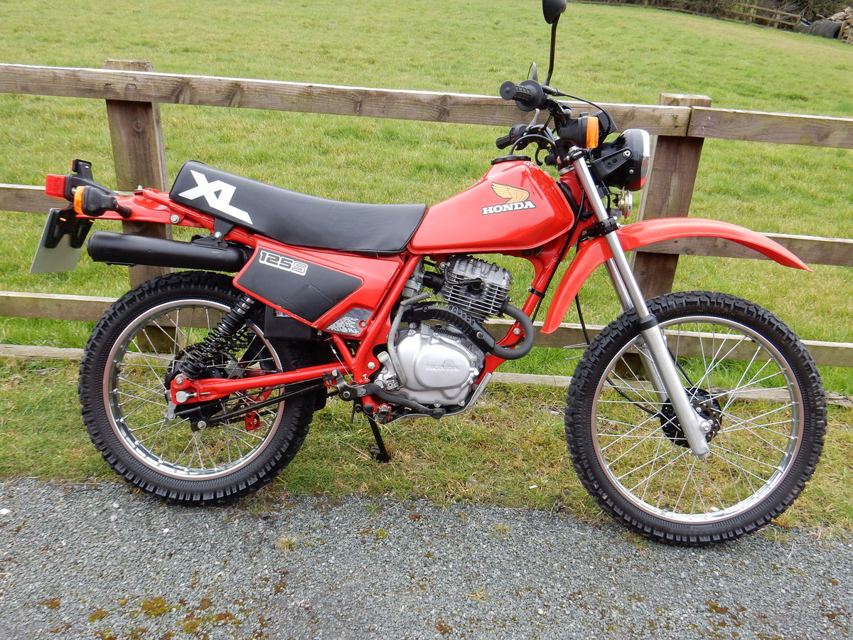 Honda XL125S 1984 JUST LIKE BRAND NEW ONLY 1900 MILES COLLEC For Sale (picture 1 of 2)