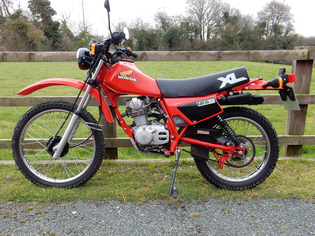 Honda XL125S 1984 JUST LIKE BRAND NEW ONLY 1900 MILES COLLEC For Sale (picture 2 of 2)