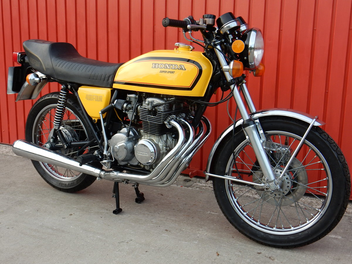 1975 HONDA 400 FOUR FABULOUS LOOKING BIKE LOTS OF MONEY  For Sale (picture 1 of 3)