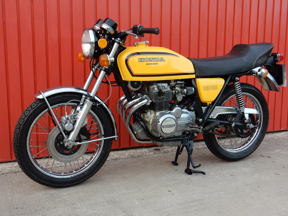 1975 HONDA 400 FOUR FABULOUS LOOKING BIKE LOTS OF MONEY  For Sale (picture 2 of 3)