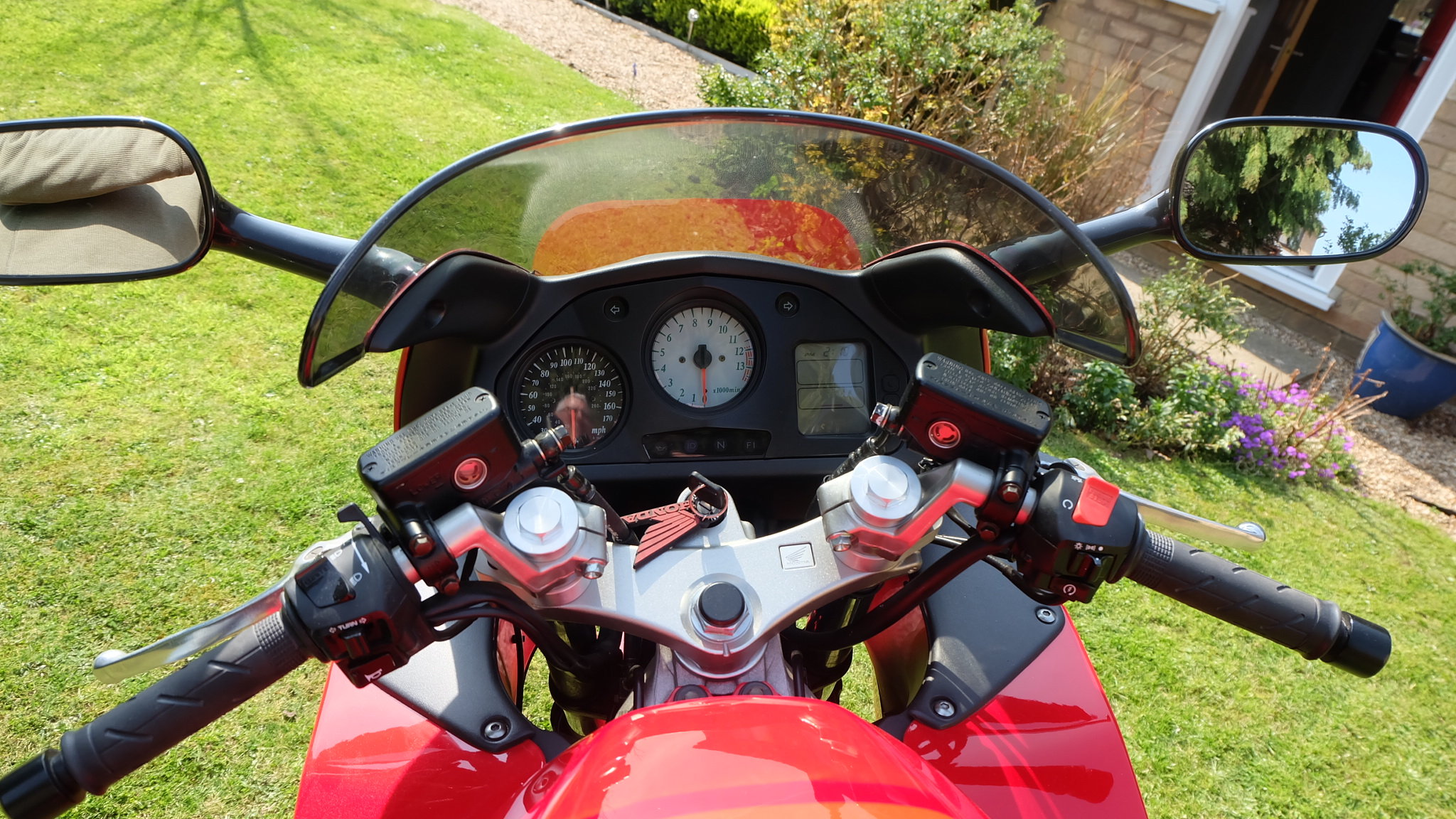 1998 Honda VFR 800 fiw 1,788 miles only  For Sale (picture 4 of 6)