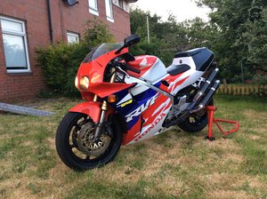 1999 Honda Rvf 400 low mileage fully serviced