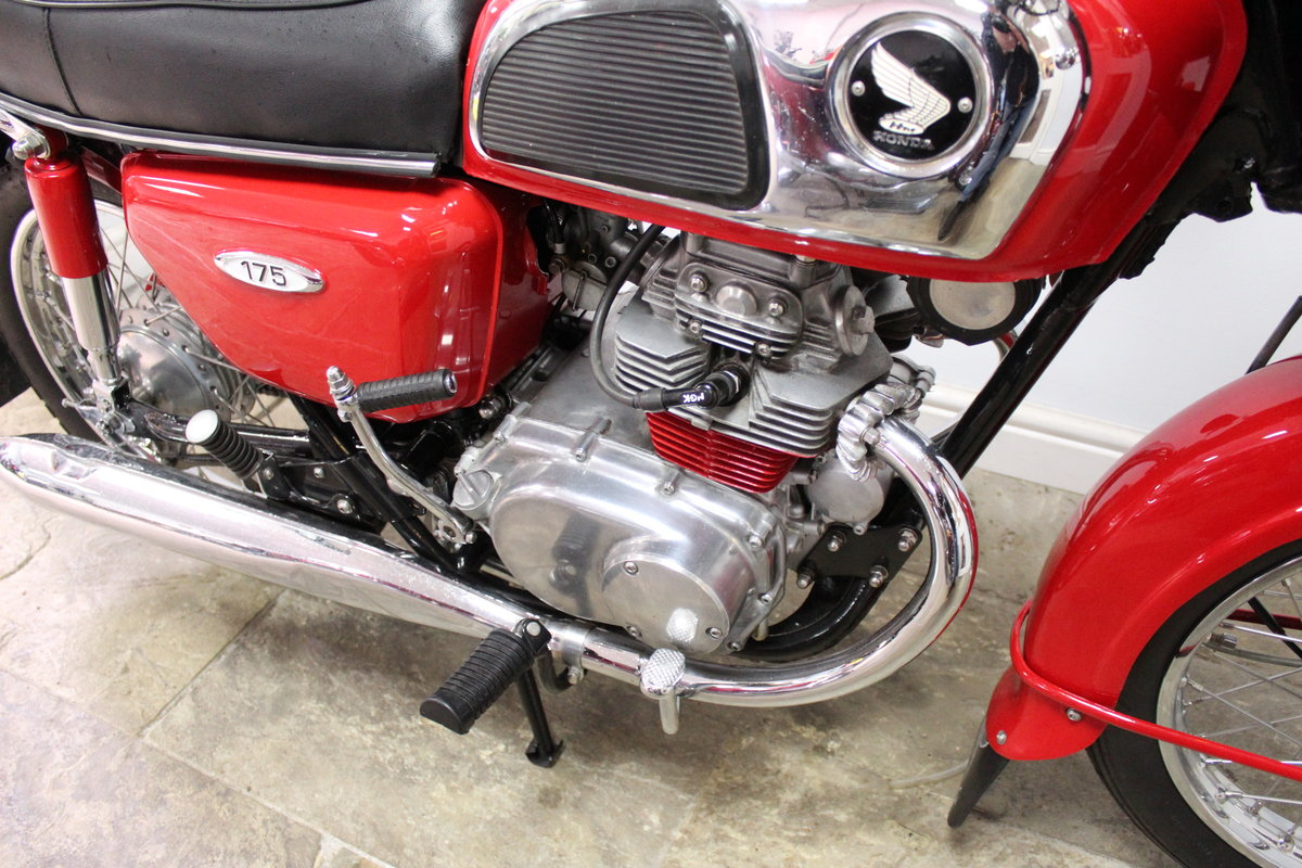 1972 Honda CD175 cc Twin With Electric Start Beautiful SOLD (picture 2 of 6)
