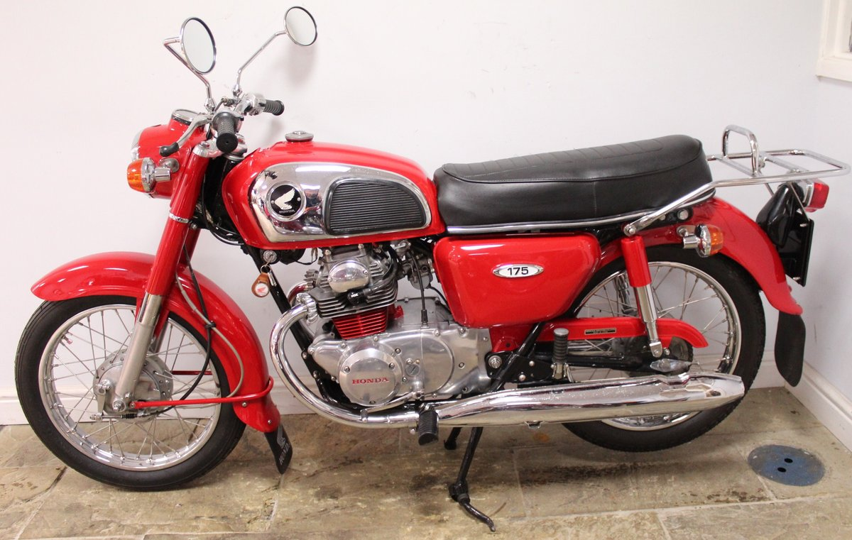 1972 Honda CD175 cc Twin With Electric Start Beautiful SOLD (picture 4 of 6)