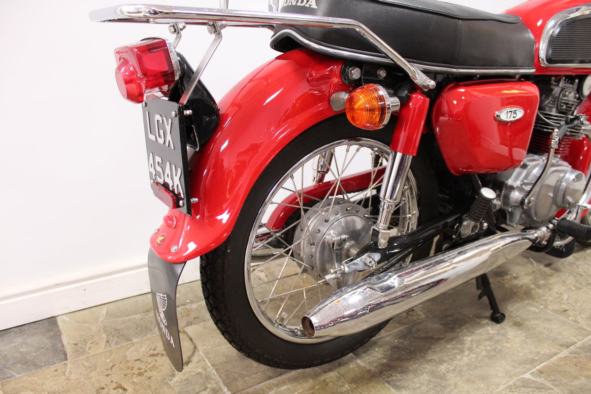 1972 Honda CD175 cc Twin With Electric Start Beautiful SOLD (picture 5 of 6)
