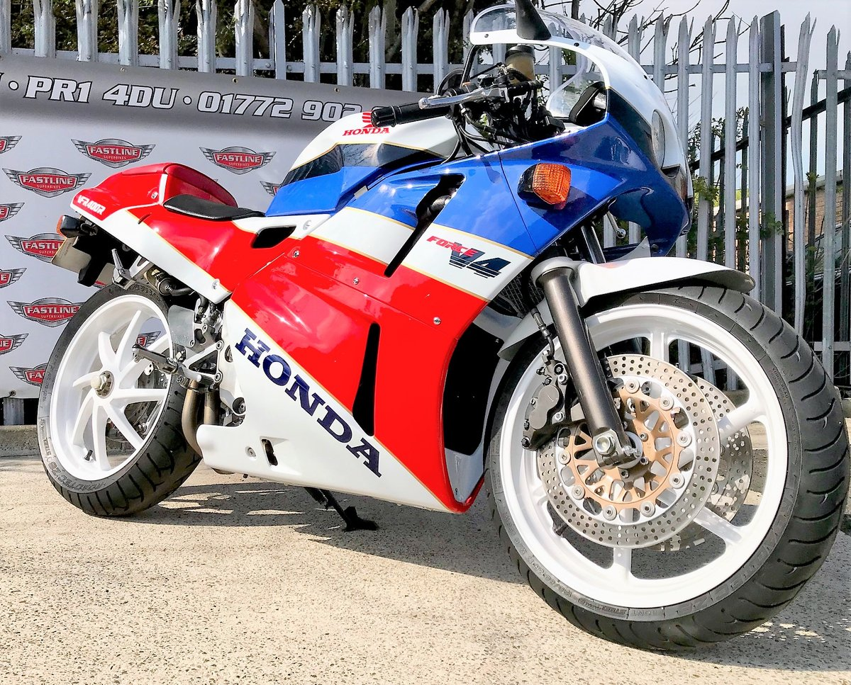 1990 Honda VFR400 NC30 Sports Classic For Sale (picture 1 of 5)