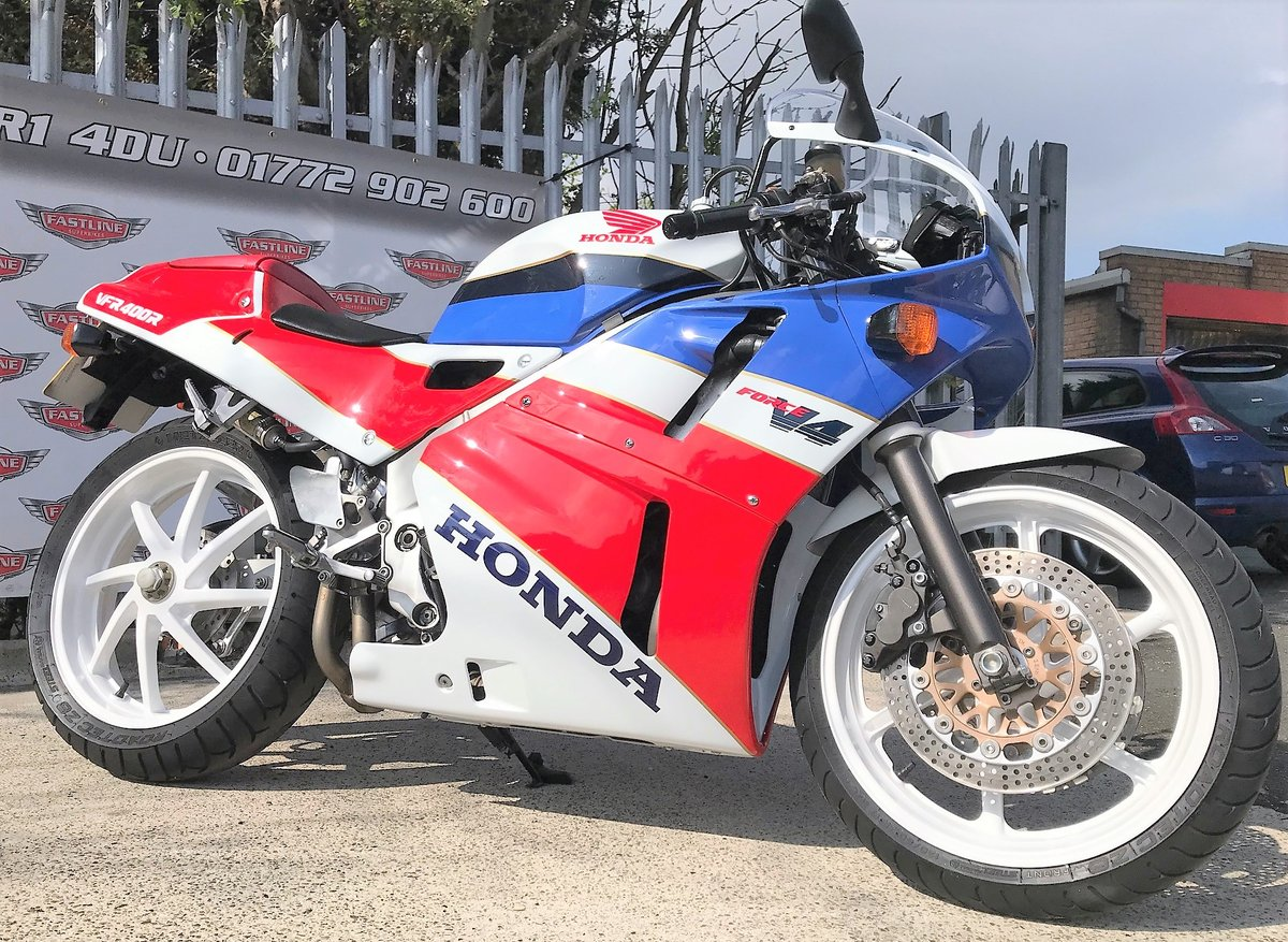 1990 Honda VFR400 NC30 Sports Classic For Sale (picture 2 of 5)