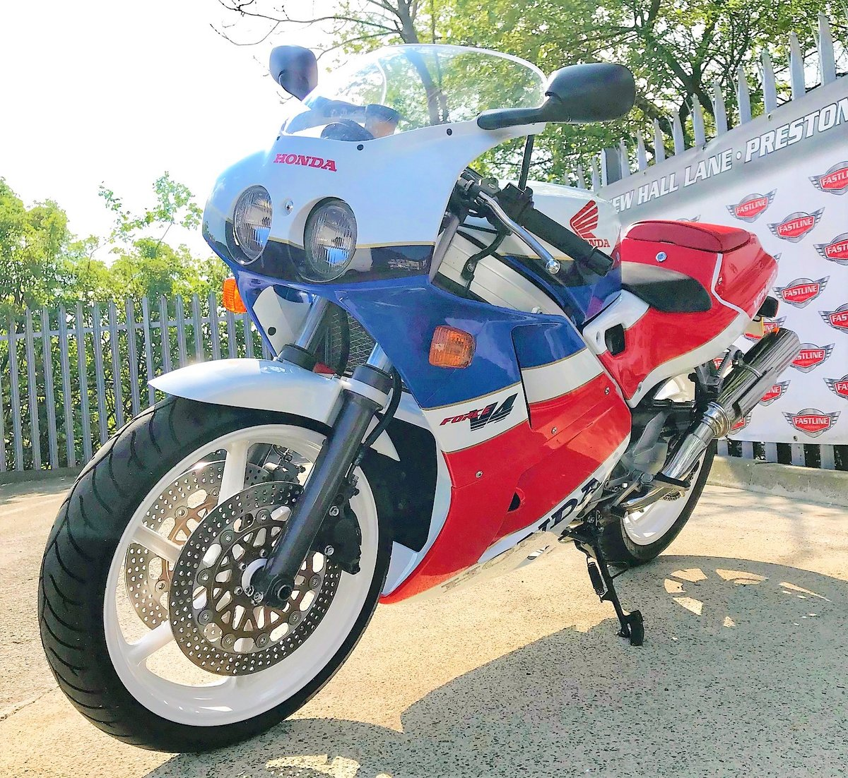 1990 Honda VFR400 NC30 Sports Classic For Sale (picture 3 of 5)