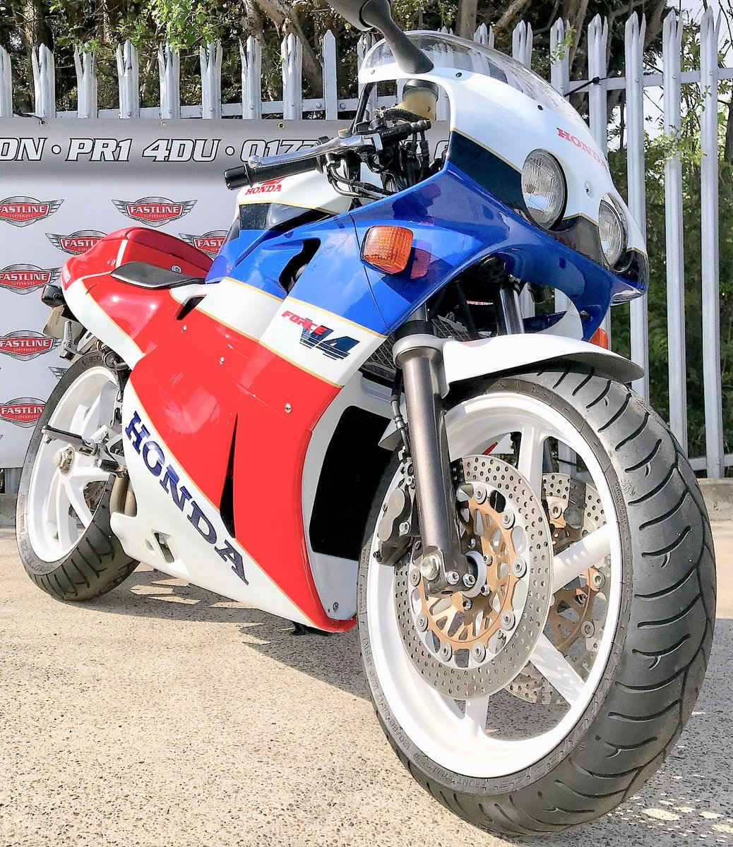 1990 Honda VFR400 NC30 Sports Classic For Sale (picture 4 of 5)