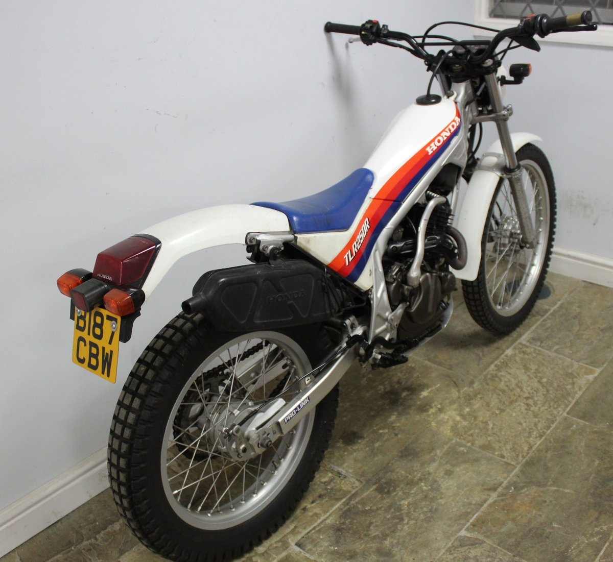 1985 Honda TLR 250 R Trials Bike  , Road registered with V5C For Sale (picture 4 of 6)