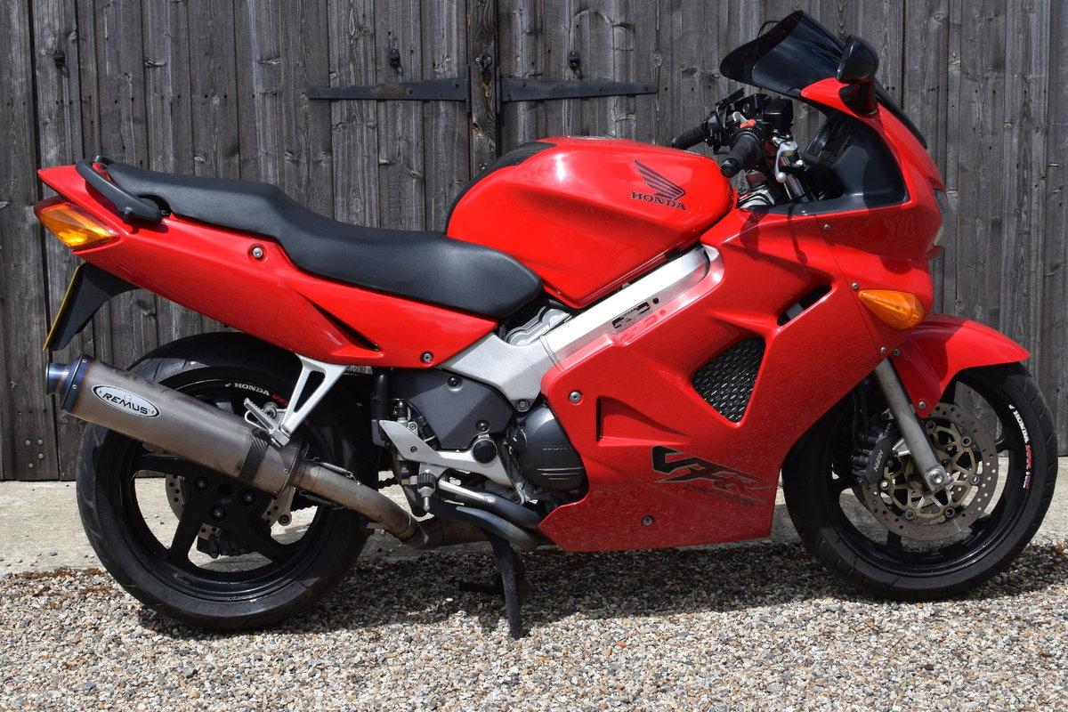 Honda VFR800 Fi-W (25000 miles, Exceptional) 1998 R Reg SOLD | Car