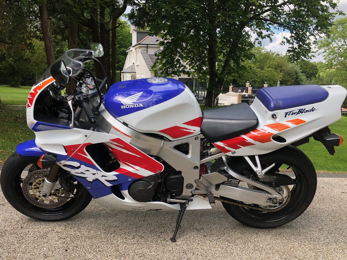 1992 Fireblade, early UK bike For Sale (picture 2 of 6)