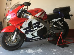 2000 Rare & Immaculate 100% Original Fireblade For Sale