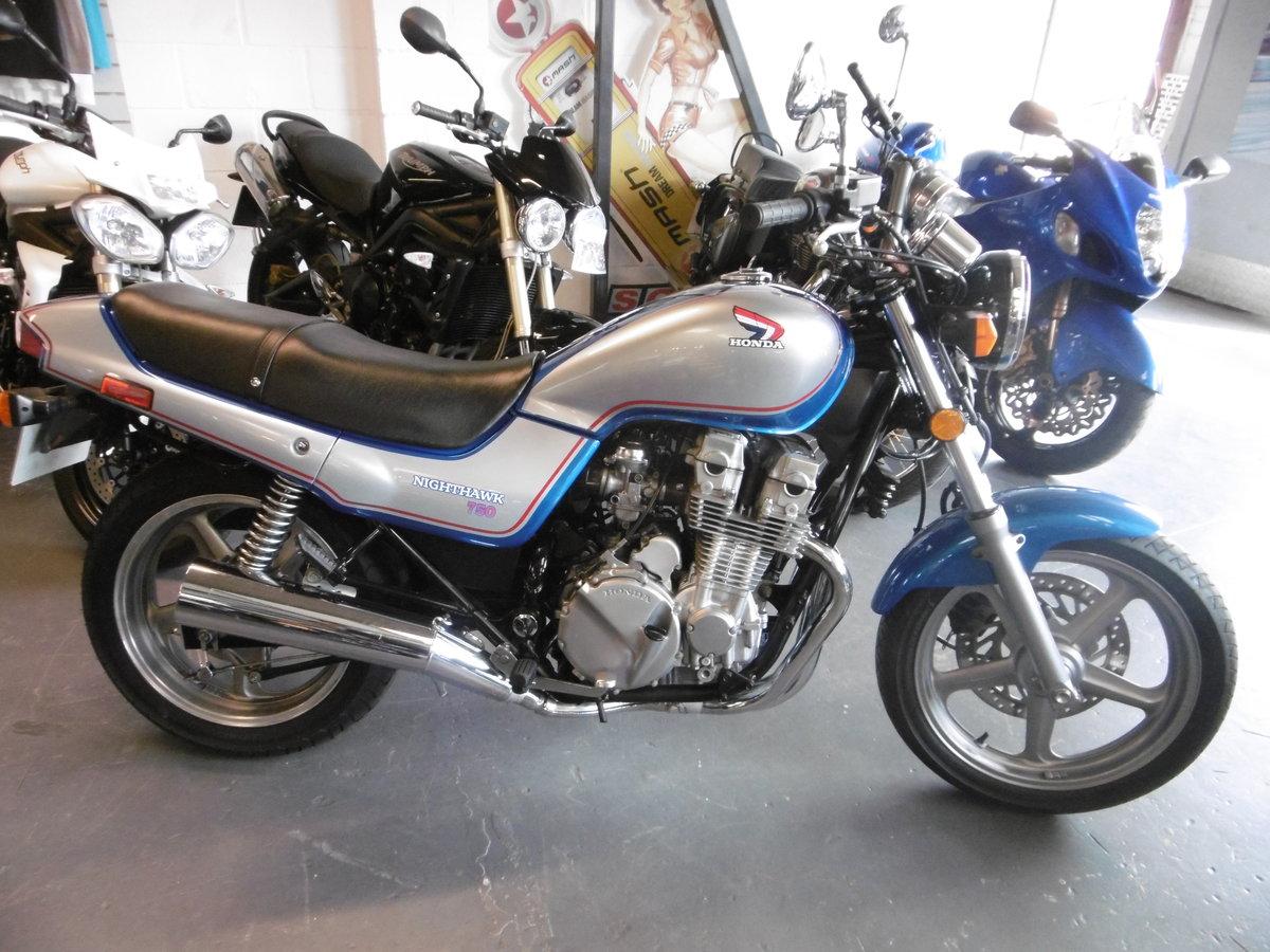 1993 Honda CB750 NIGHTHAWK . STUNNING TIMEWARP  SOLD (picture 1 of 6)