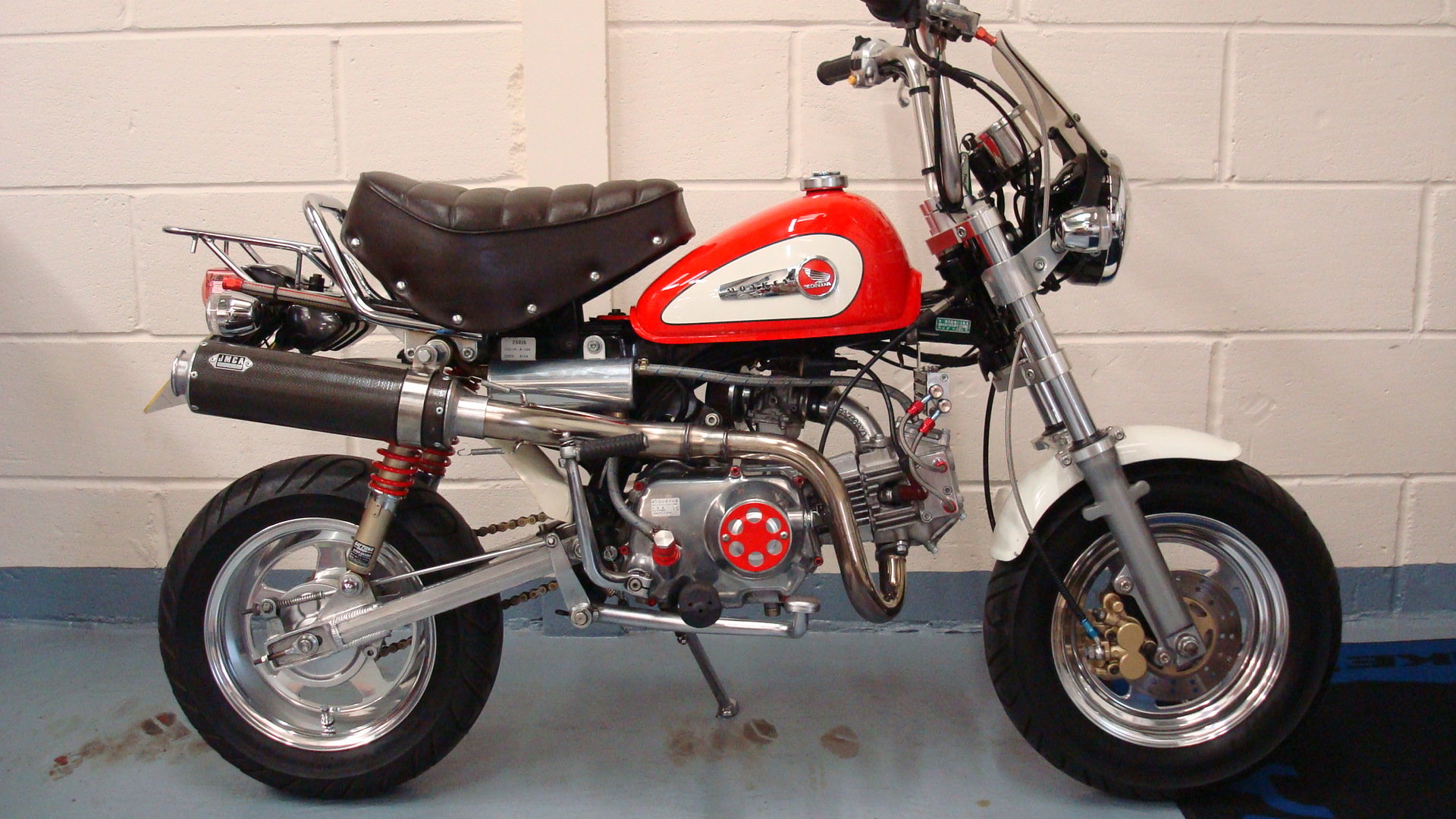 Honda Z50 J MONKEY BIKE SPECIAL 1999-T **1 LADY OWNER** For Sale (picture 1 of 6)