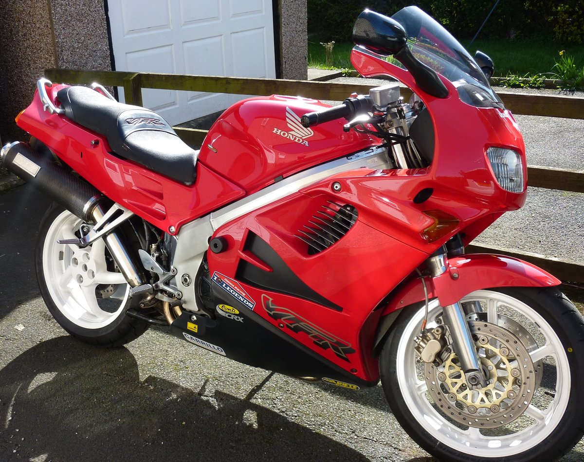 1997 Honda vfr 750 SOLD (picture 2 of 3)