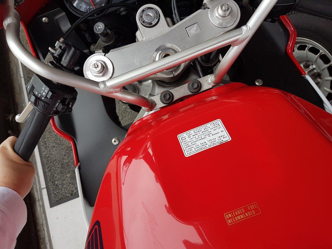 1999 Honda CBR 900 RR Fireblade 13k Miles 1 Owner For Sale (picture 3 of 6)