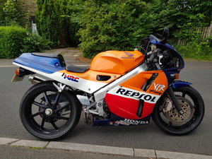 1992 HONDA VFR400R NC30 low mileage 11,666 (NOW SOLD)