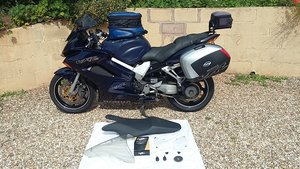 2001 HONDA VFR 800 VTEC WITH LUGGAGE AND GEL SEAT