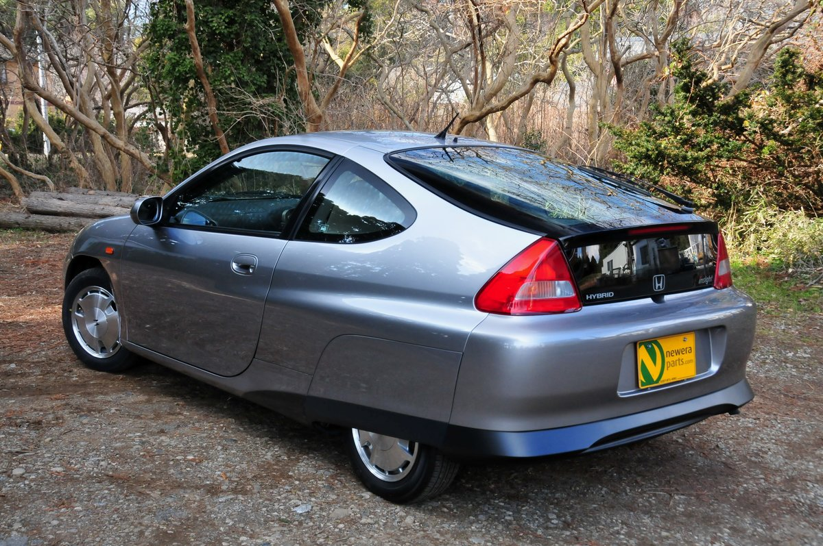 2006 Honda Insight ZE1 Coupe.5-Speed Manual. Concourse Condition. SOLD (picture 2 of 6)