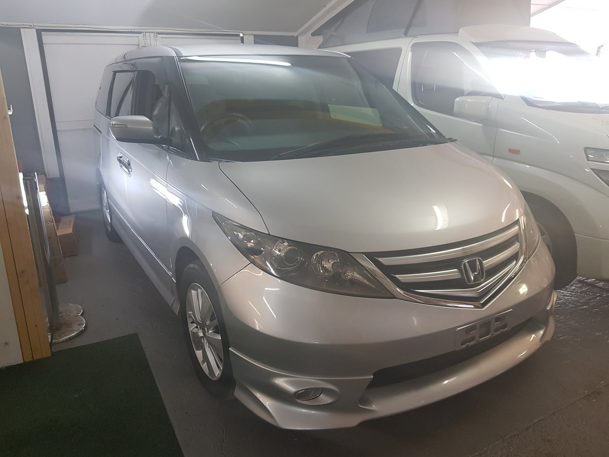 2007 Honda Elysion - Japanese import Grade 4 For Sale (picture 1 of 6)
