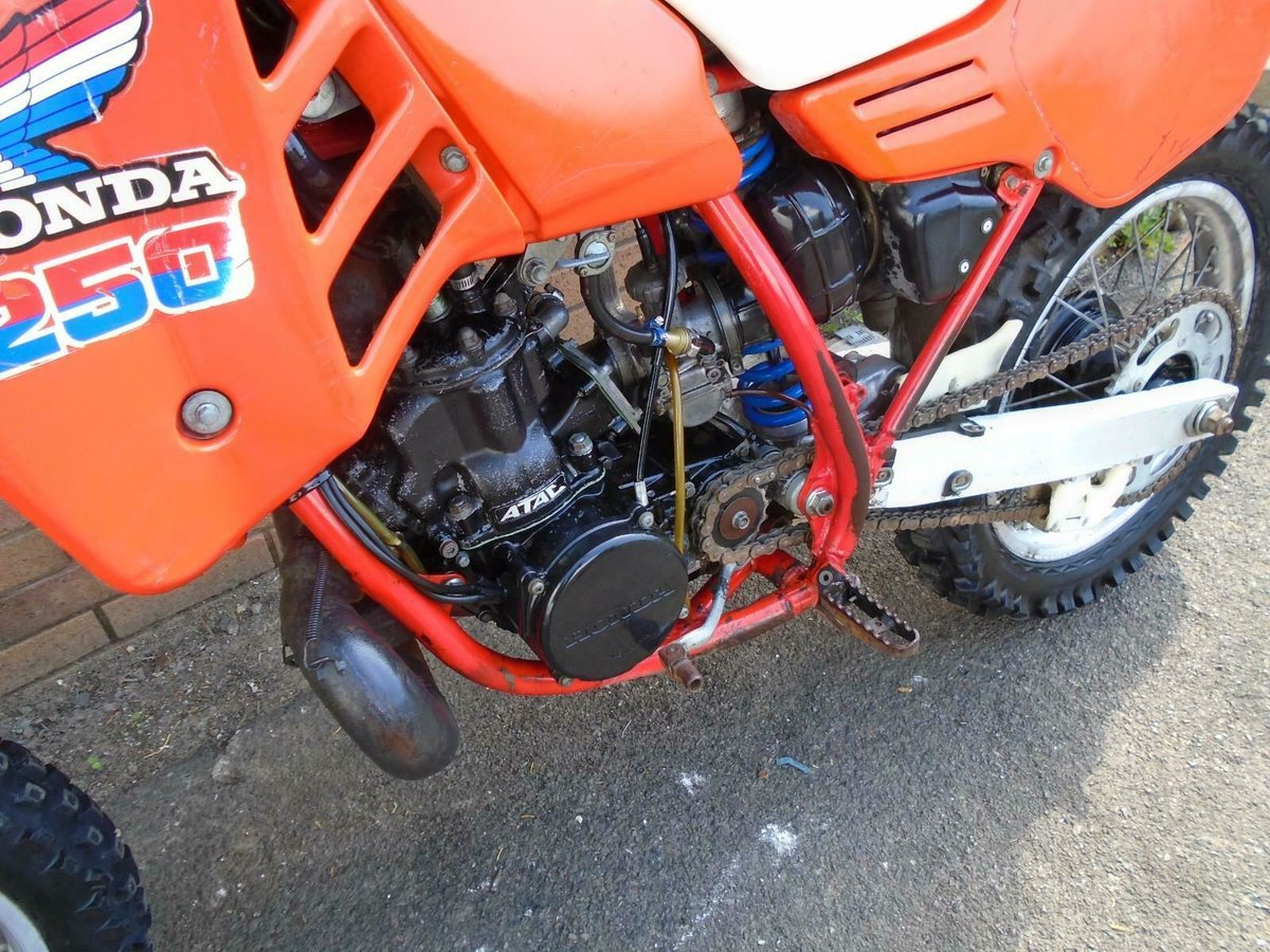 1985 HONDA CR250 R WATER COOLED MOTO X EVO SCRAMBLER SOLD (picture 3 of 6)
