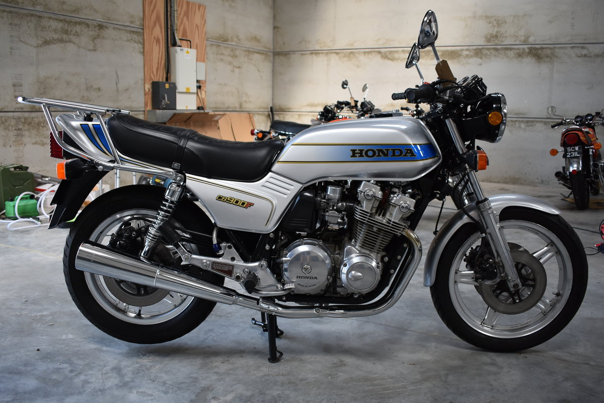 1982 HONDA CB900F IN TOTALLY STUNNING CONDITION For Sale (picture 2 of 6)
