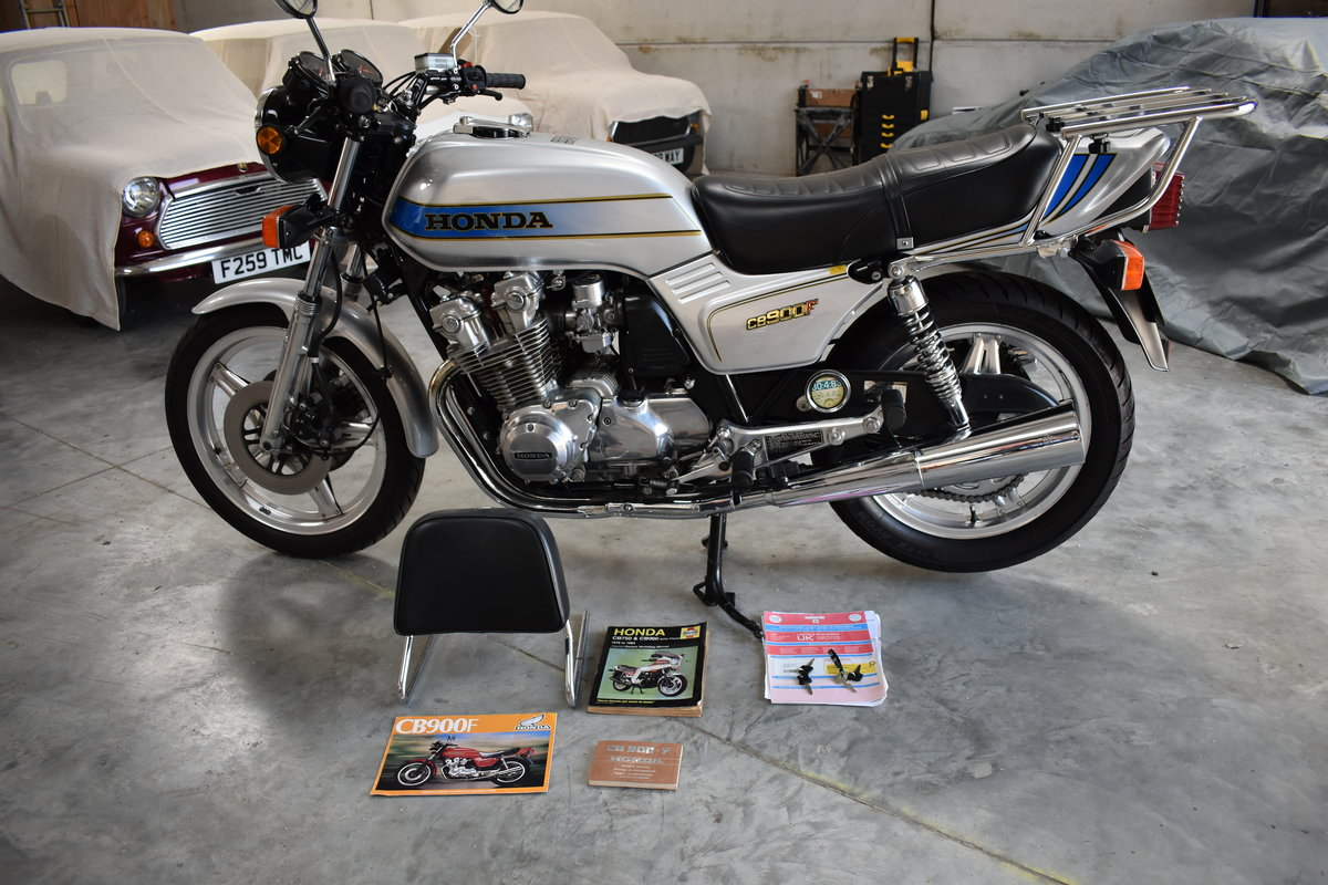 1982 HONDA CB900F IN TOTALLY STUNNING CONDITION For Sale (picture 6 of 6)