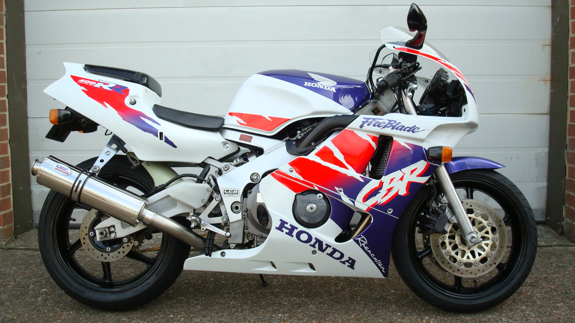 1997 Honda CBR400 RR-R **MINT UN-RESTORED** SOLD (picture 1 of 6)