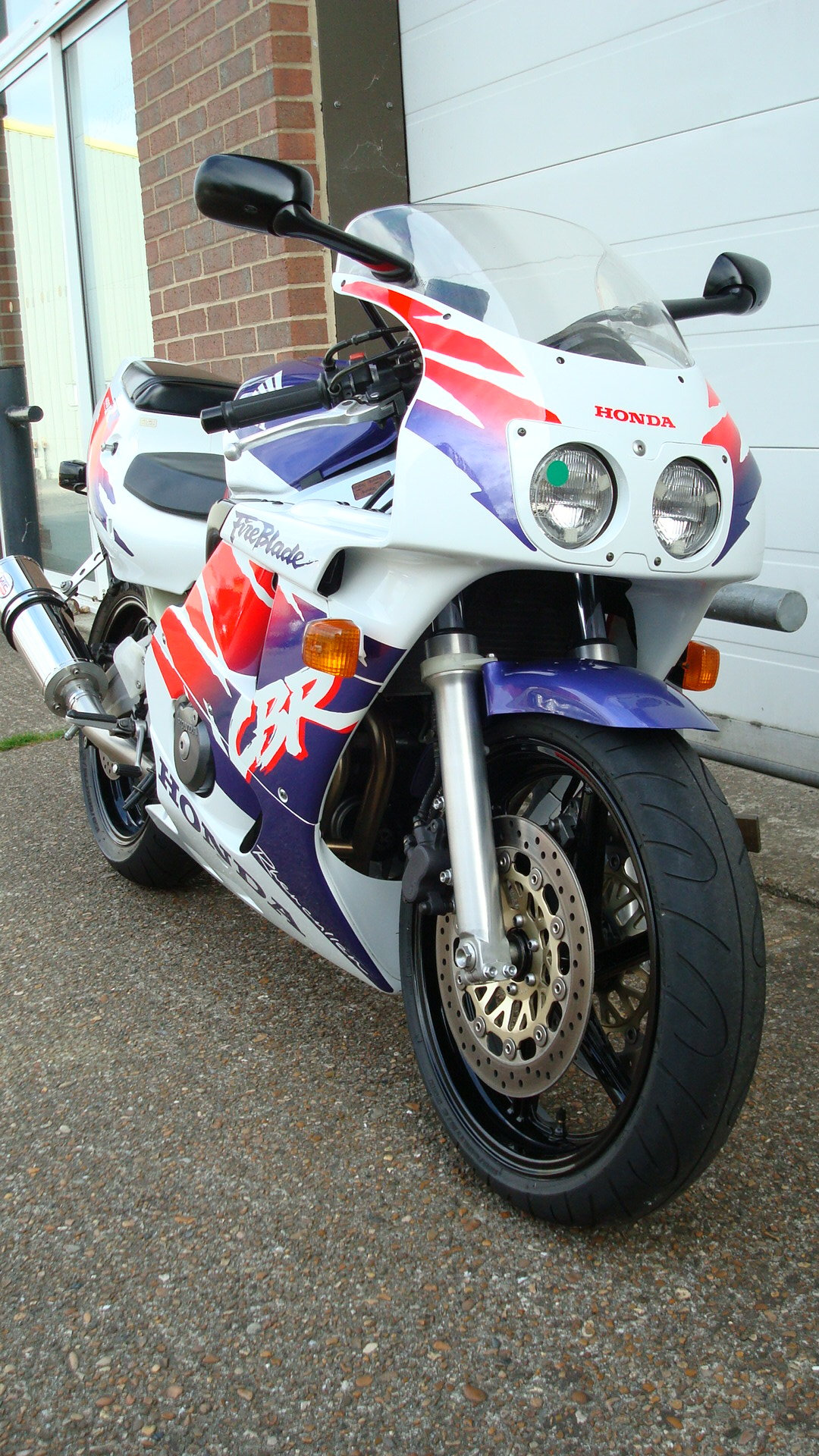 1997 Honda CBR400 RR-R **MINT UN-RESTORED** SOLD (picture 2 of 6)