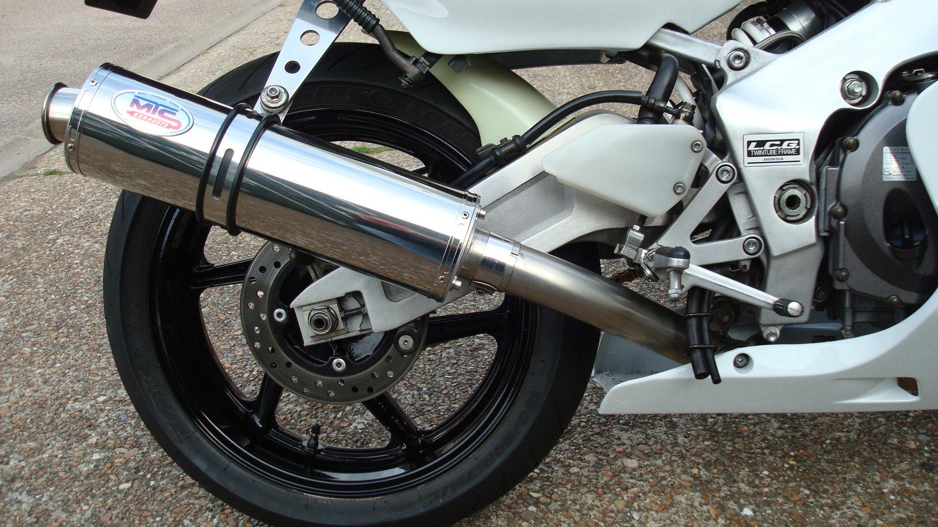 1997 Honda CBR400 RR-R **MINT UN-RESTORED** SOLD (picture 4 of 6)