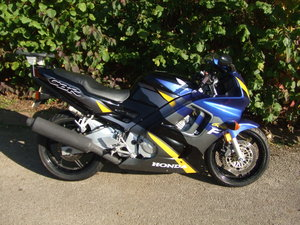 1995 Honda CBR600F 11k miles only, new M For Sale