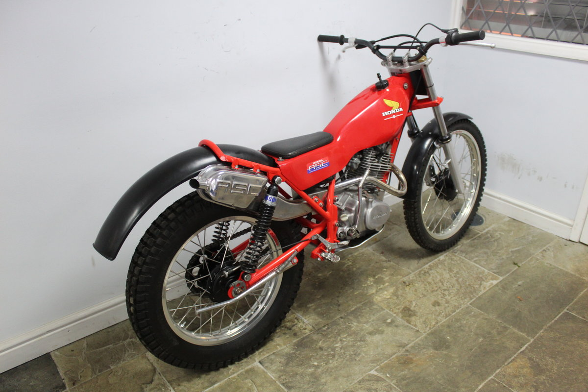 1982 Honda Seeley 200 RSC Twin Shock Trials Bike  SOLD (picture 3 of 6)