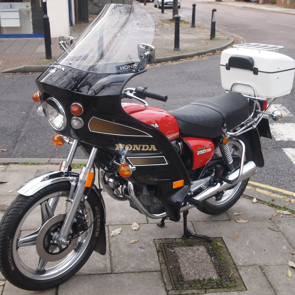 1978 CB250 T Dream, UK Bike, One Owner, RESERVED FOR BILL. SOLD (picture 5 of 6)