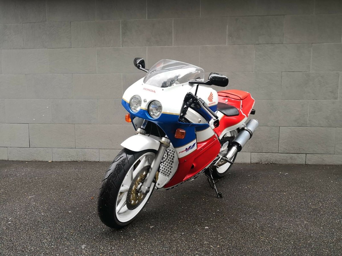 1990 Honda VFR 400 NC 30 - Wonderful Example For Sale (picture 3 of 6)