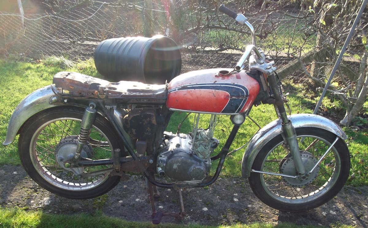 1971 Honda CB350 k4 Project - spares repairs Barn For Sale (picture 1 of 6)