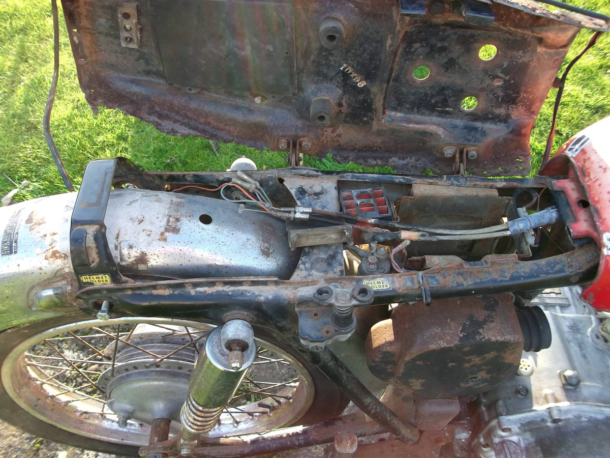 1971 Honda CB350 k4 Project - spares repairs Barn For Sale (picture 6 of 6)