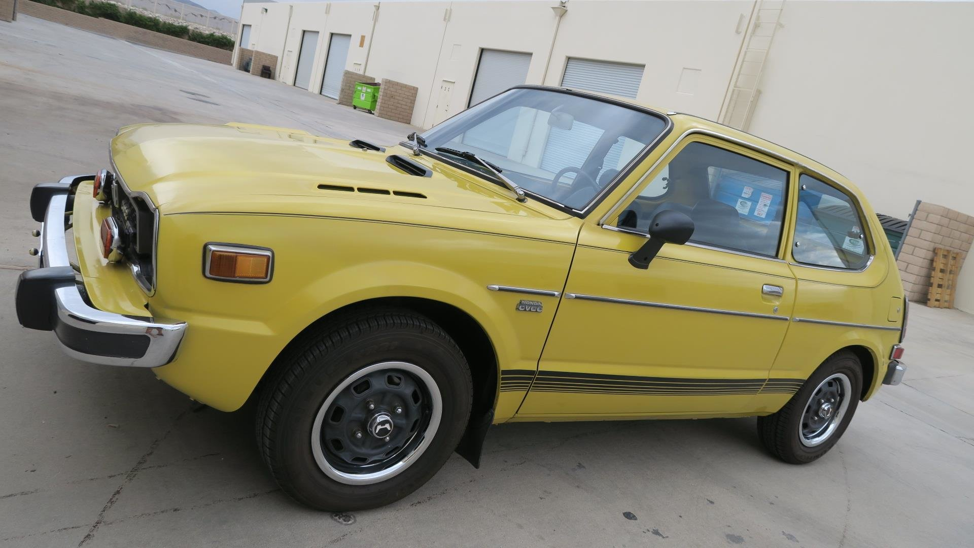 1975 Honda Civic CVCC very Rare 2 Auto Trans $8k spent $8.9  For Sale (picture 1 of 6)