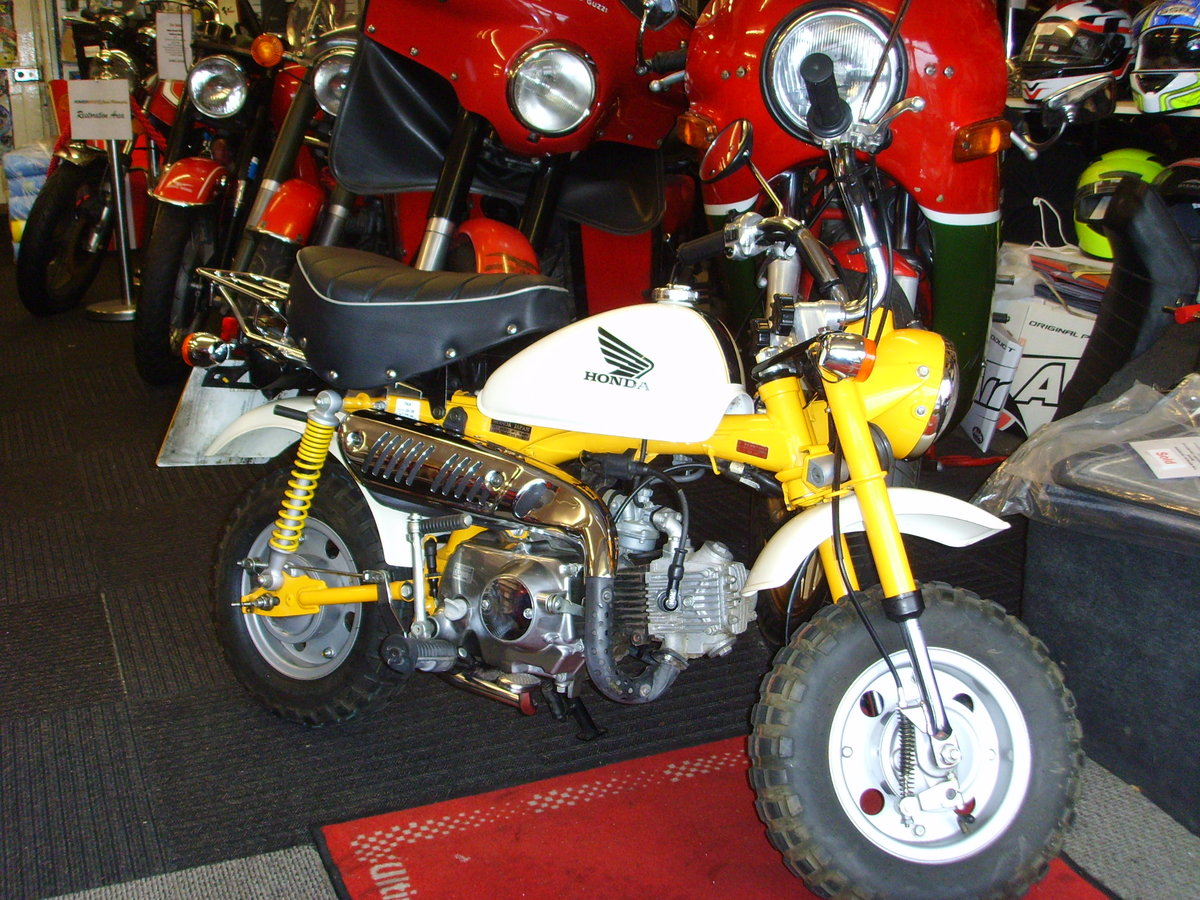 2006 Honda Z50J6 Monkey Bike 2155km 1 owner from new For Sale (picture 1 of 6)