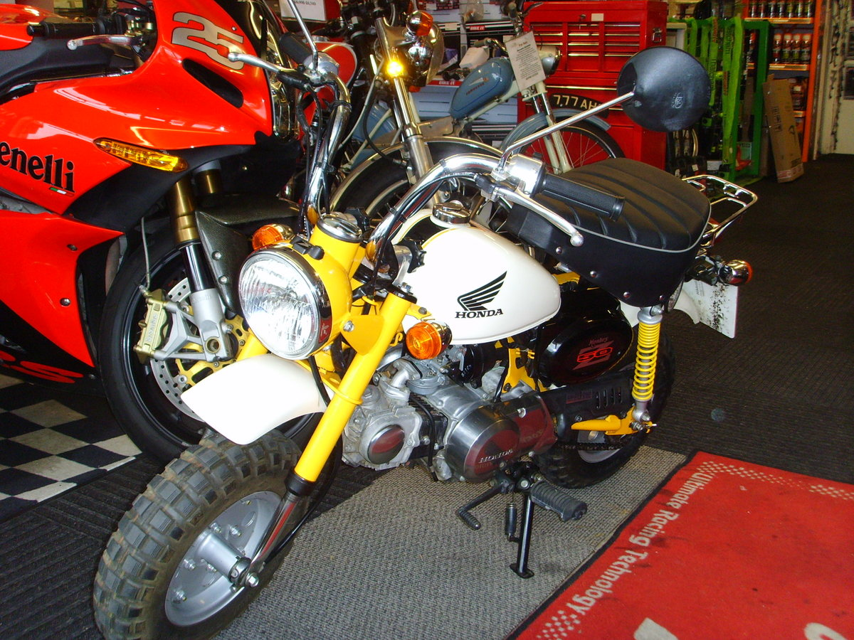 2006 Honda Z50J6 Monkey Bike 2155km 1 owner from new For Sale (picture 3 of 6)