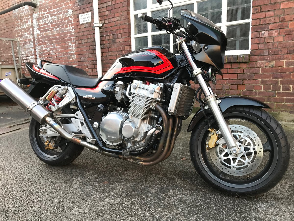 Year 2000 CB1300SF in black and orange For Sale (picture 1 of 6)